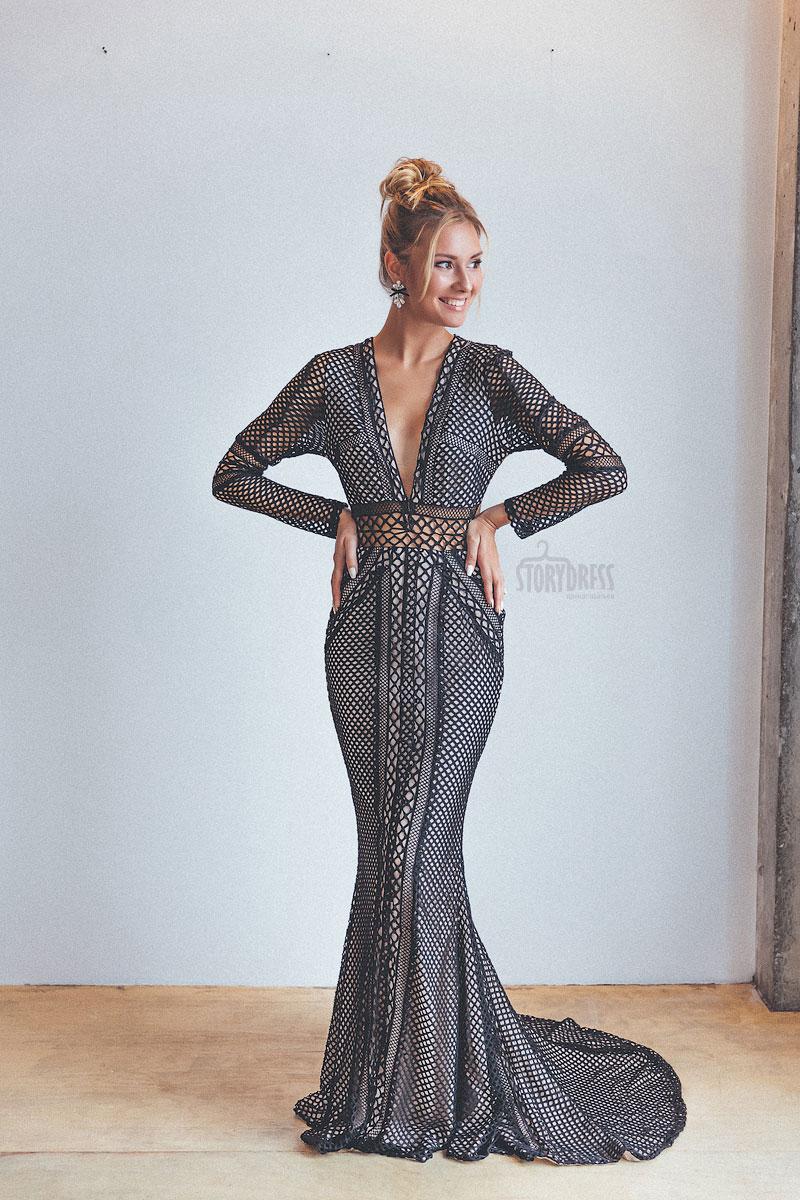 Платье с крупными вязаными ячейками