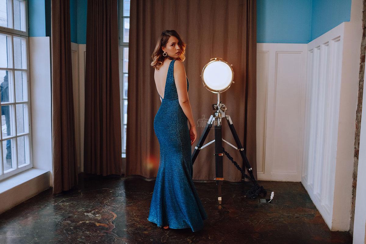 Вечернее платье-русалка Loren Blue из стрейчевой ткани