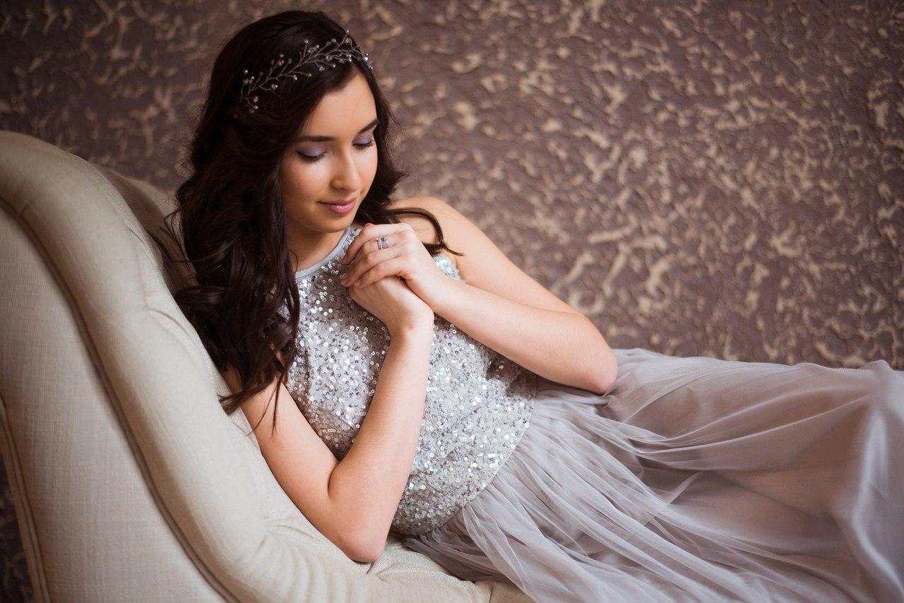 Фотосессия в платье серых тонов