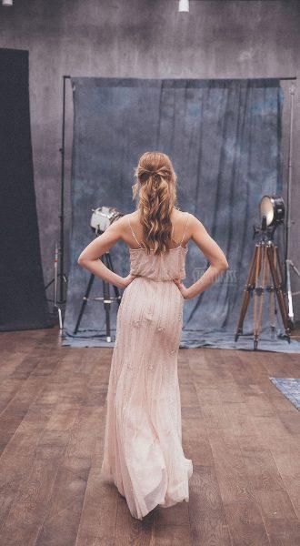 Вечернее платье минималистичного стиля Dana Pink