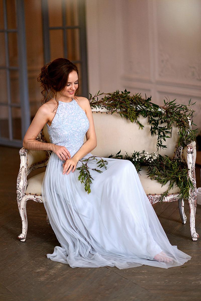 Воздушное вечернее платье в нежных лазурных тонах