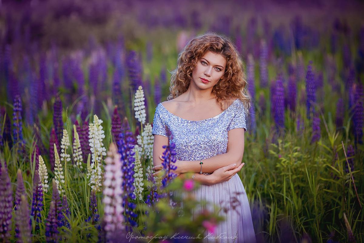 Романтичное нежно-лиловое платье