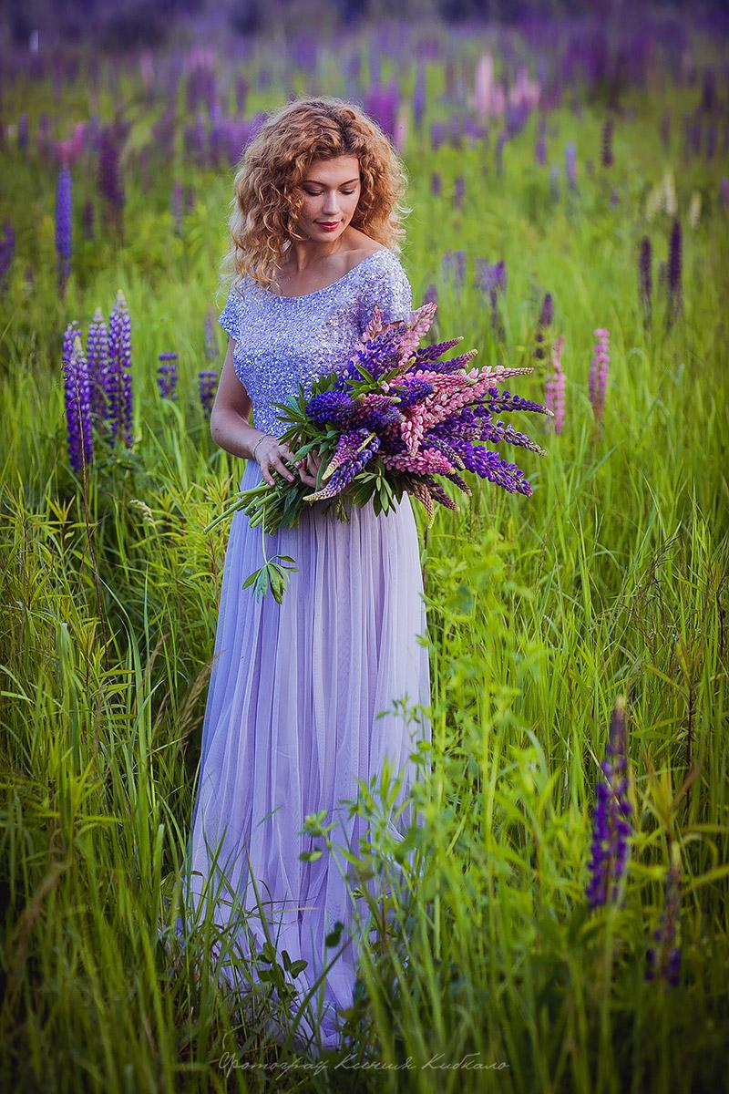 Лиловое вечернее платье
