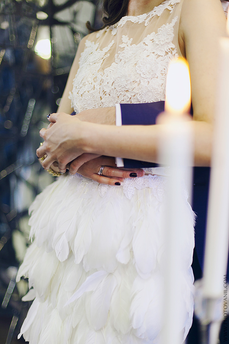 Платье с перьями в аренду москва