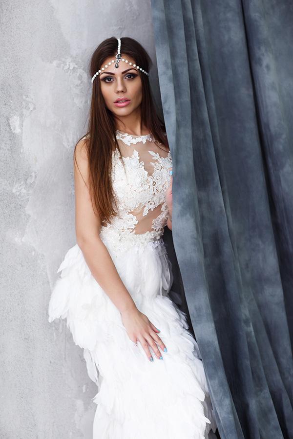 Платье для фотосессии с перьями