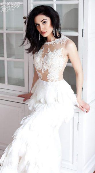 Платье с перьями напрокат