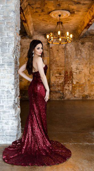 Красное платье на вечер