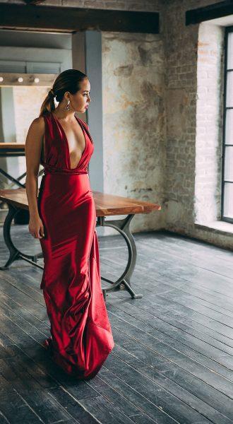 Шикарное трансформирующееся платье красного цвета