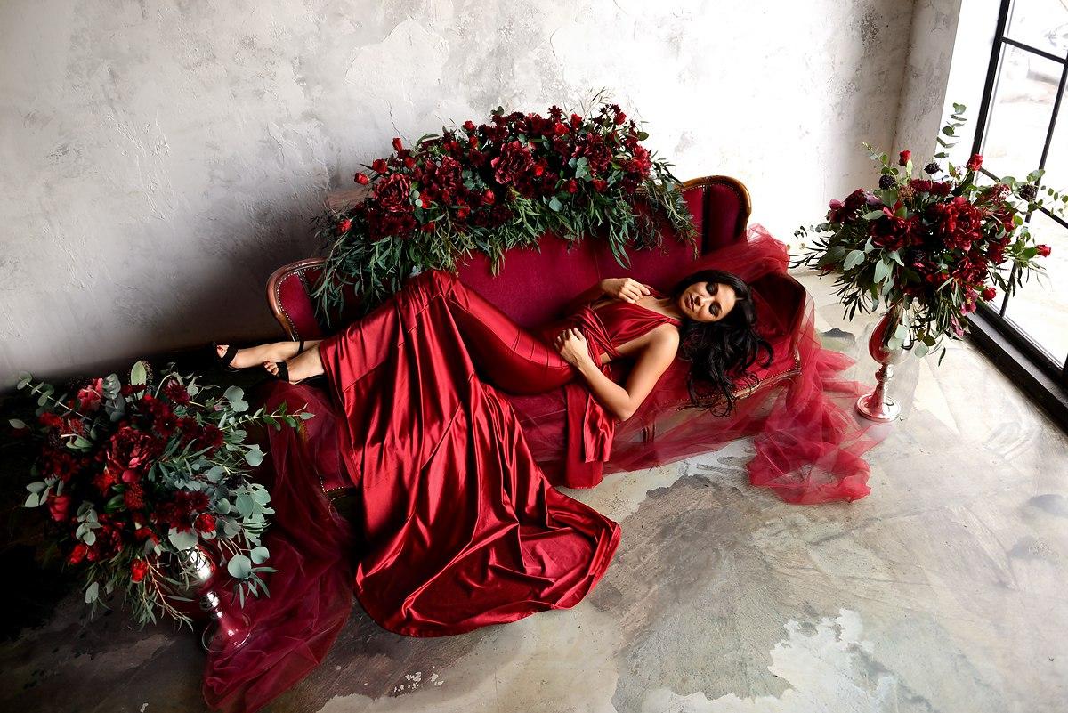 Красное платье для фото