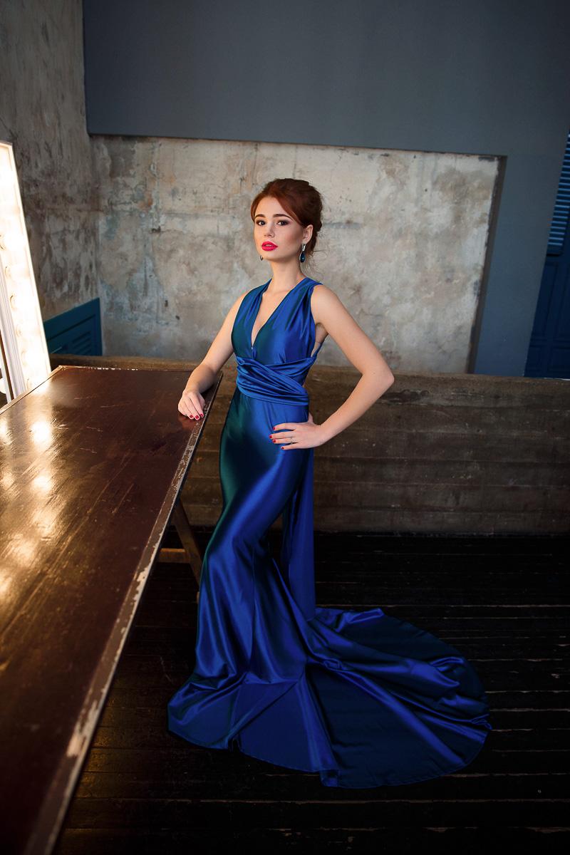 Синее платье-трансформер