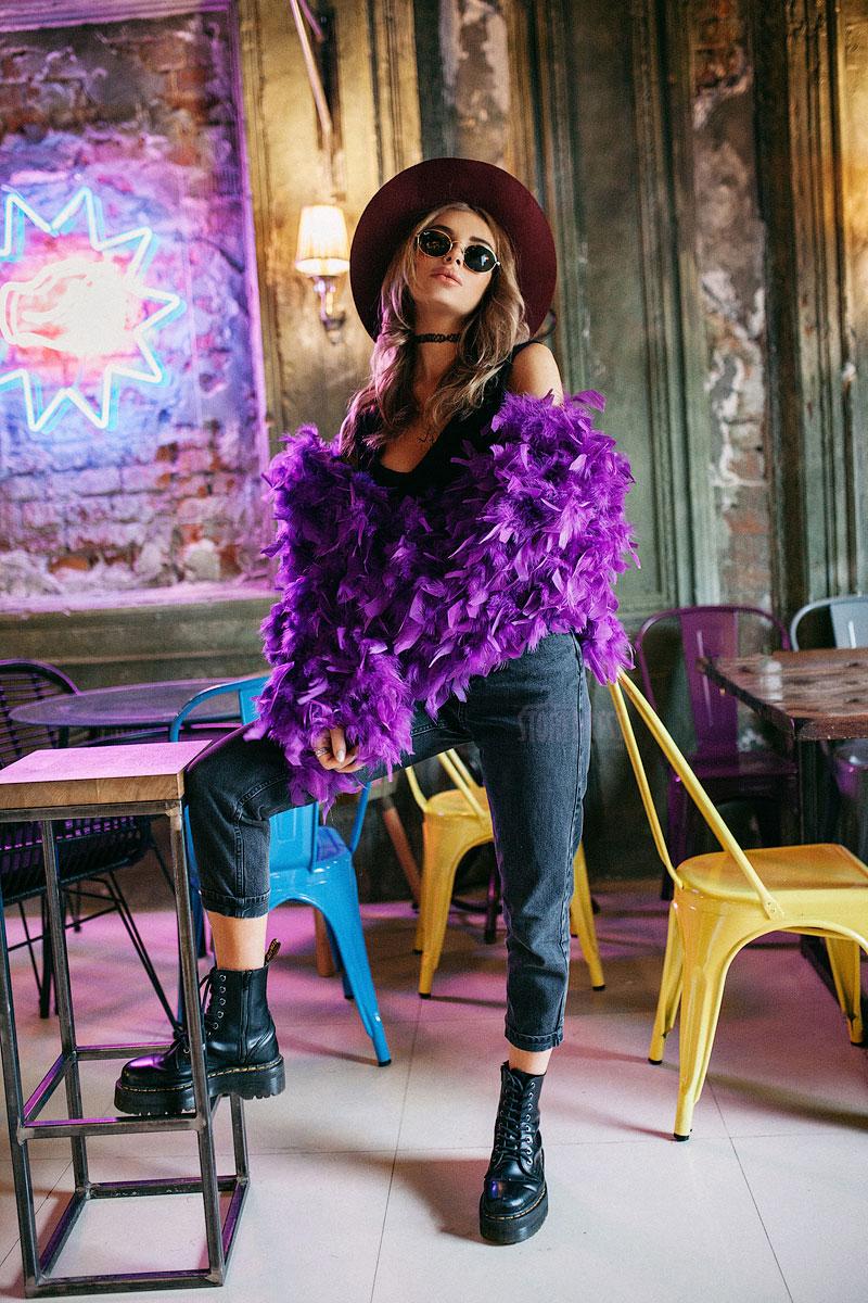 Фиолетовая шубка из перьев Feather Coat