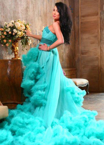 Фотосессия в бирюзовом платье-облаке