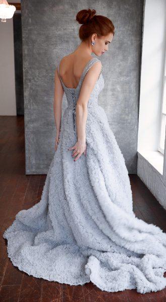 Пушистое платье в пол