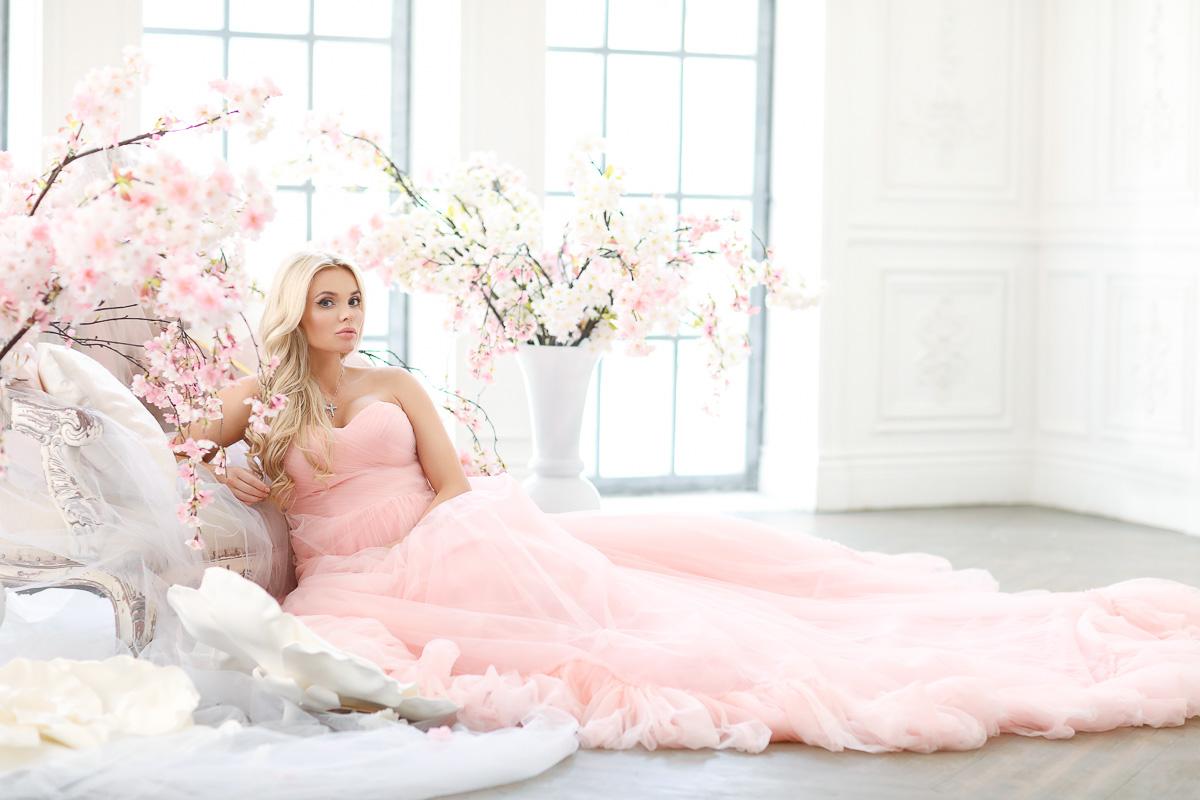 Фотосет беременной блондинки