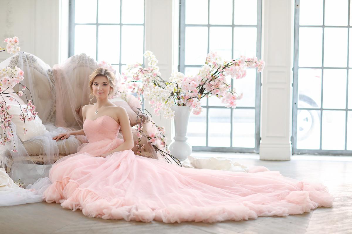 Фотосессия в платье с цветами