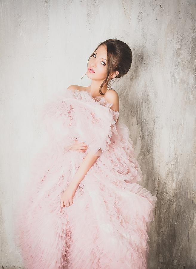 Нежно-розовое платье для хрупкого и трогательного образа
