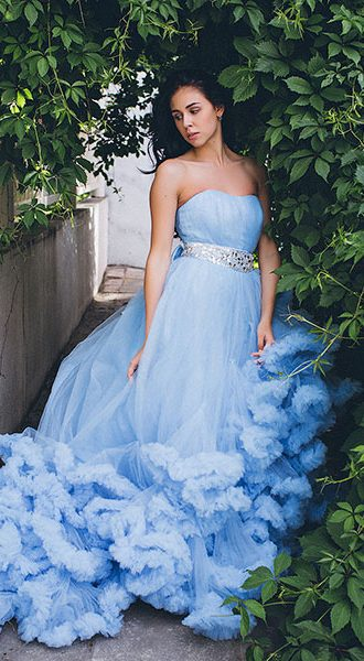 Голубое платье облако Blue Cloud в аренду