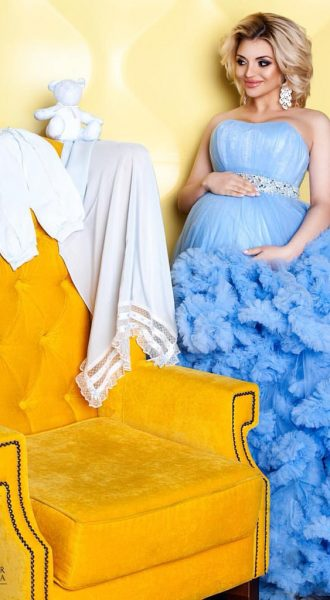 Фотосессия беременной в воздушном платье