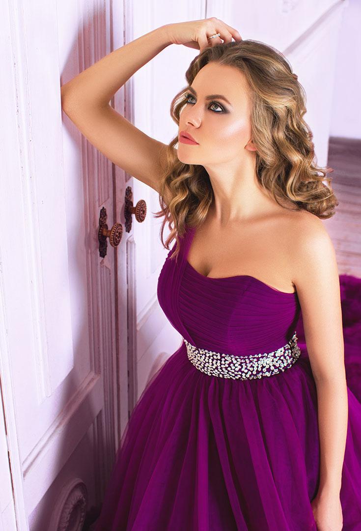 Роскошное платье цвета фиолет