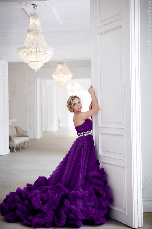 Оригинальное фиолетовое платье с юбкой-облаком