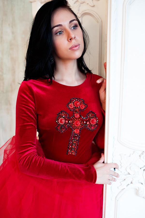 Пышное платье Red Cross