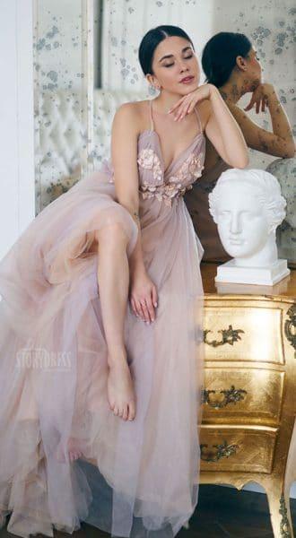 Пышное платье с открытой спиной Natural Nudity