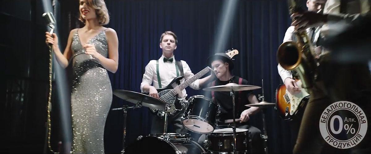Платье Стори Дресс в рекламном ролике пива