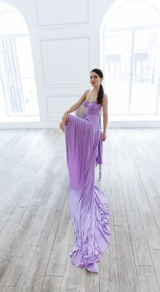 Прокатное лавандовое платье-трансформер с длинным шлейфом