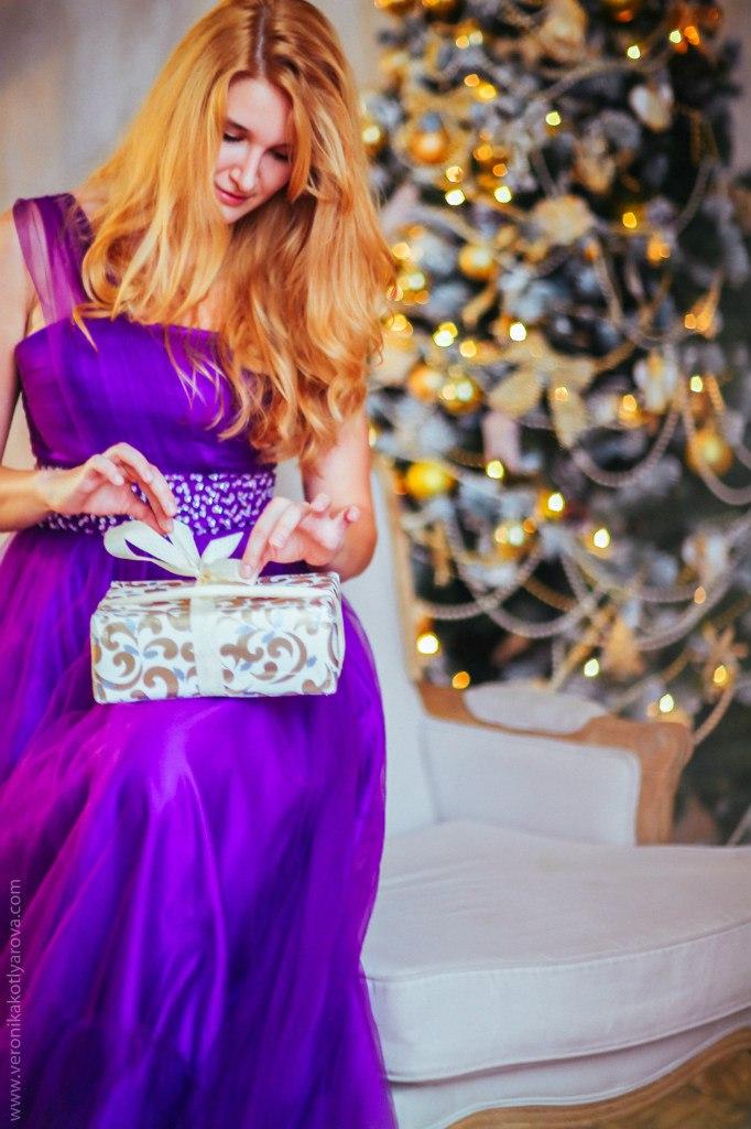 Новогодняя фотосессия в студии в платьях