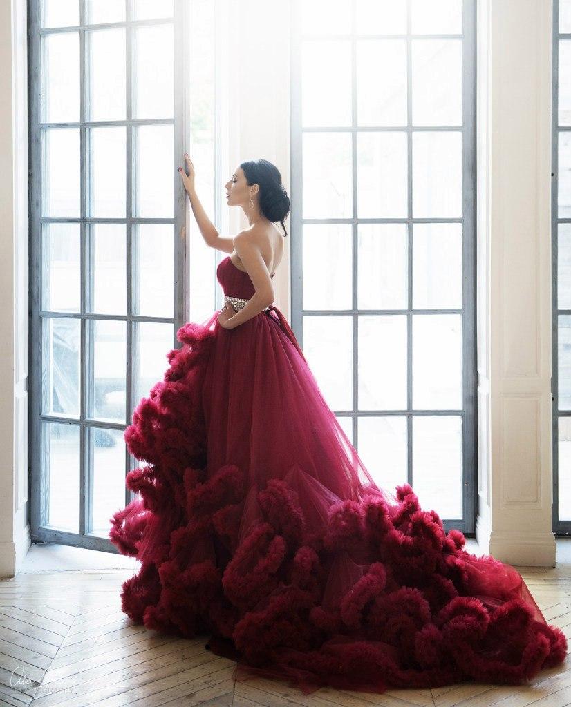Платье облако винно-бордового цвета