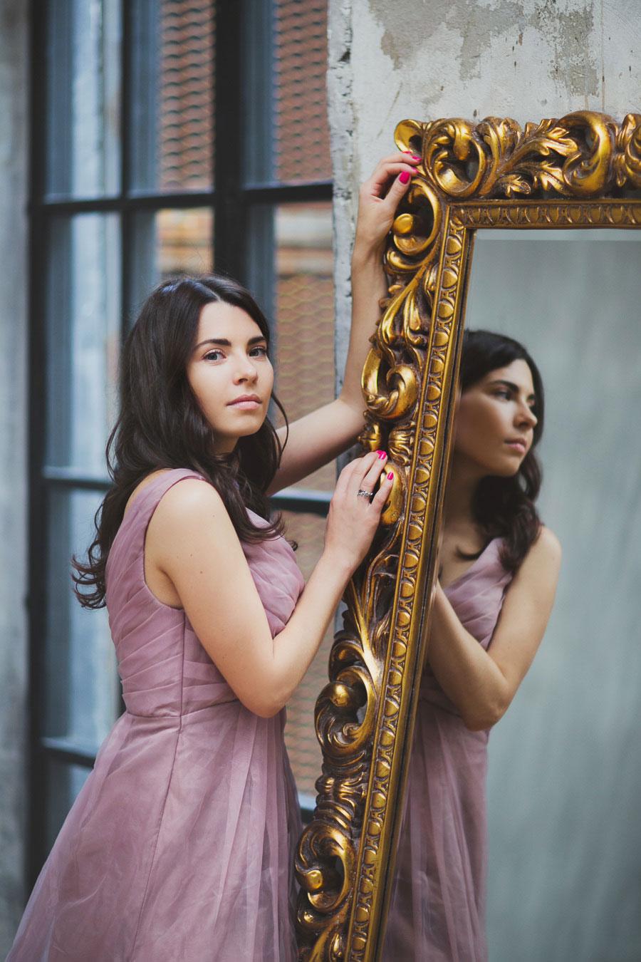 Платье для фотосессии нюдового оттенка