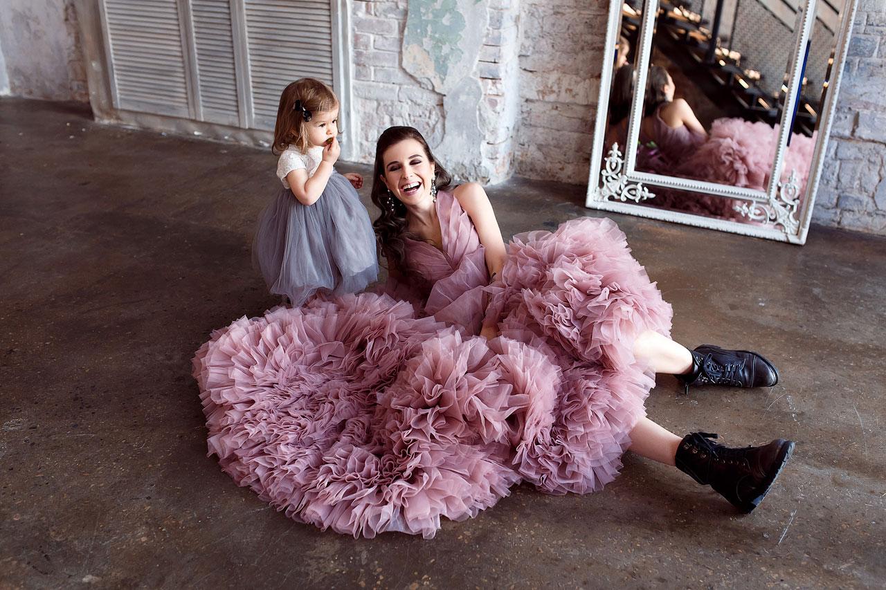 Серо-розовое платье принцессы