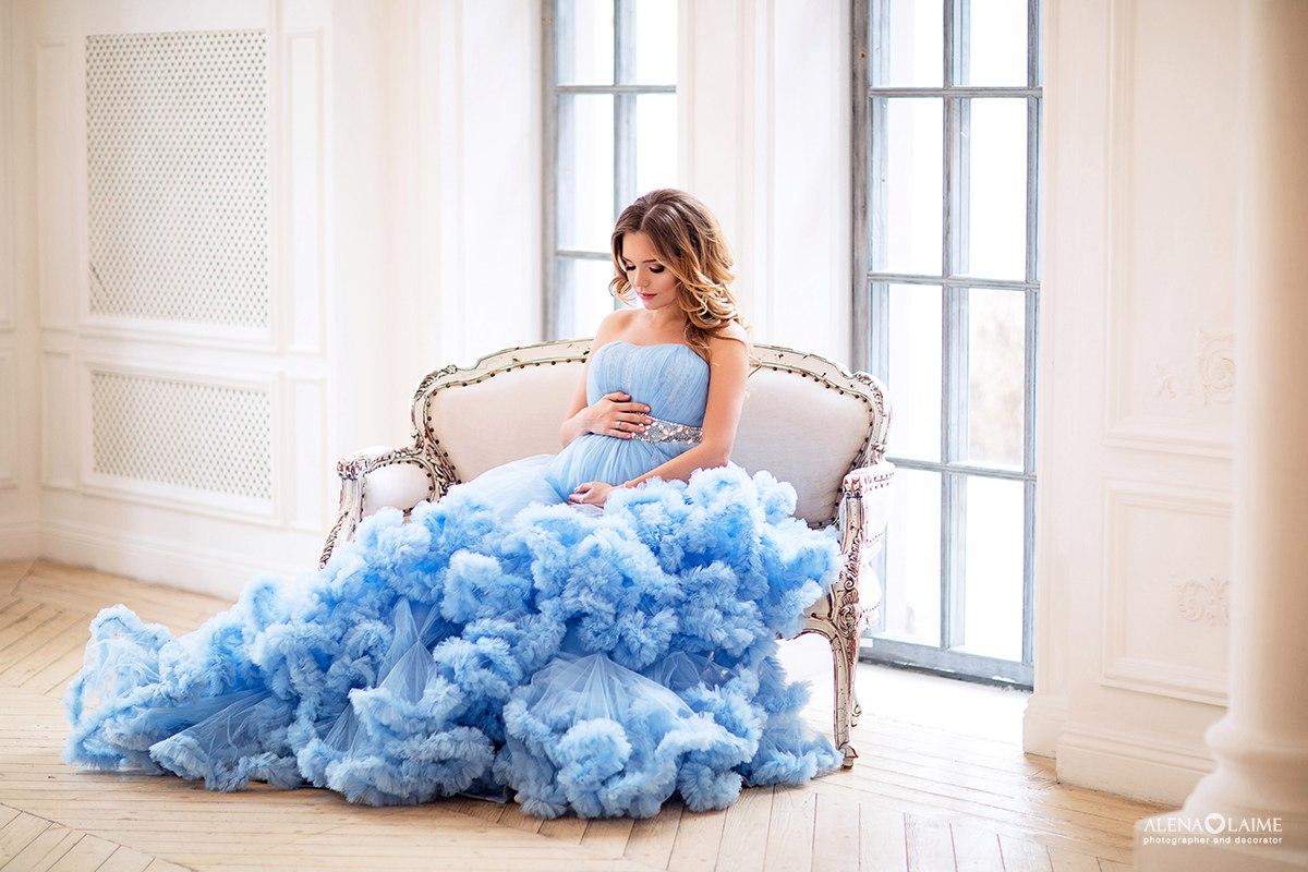 Фотосессия беременности в пышном облачении