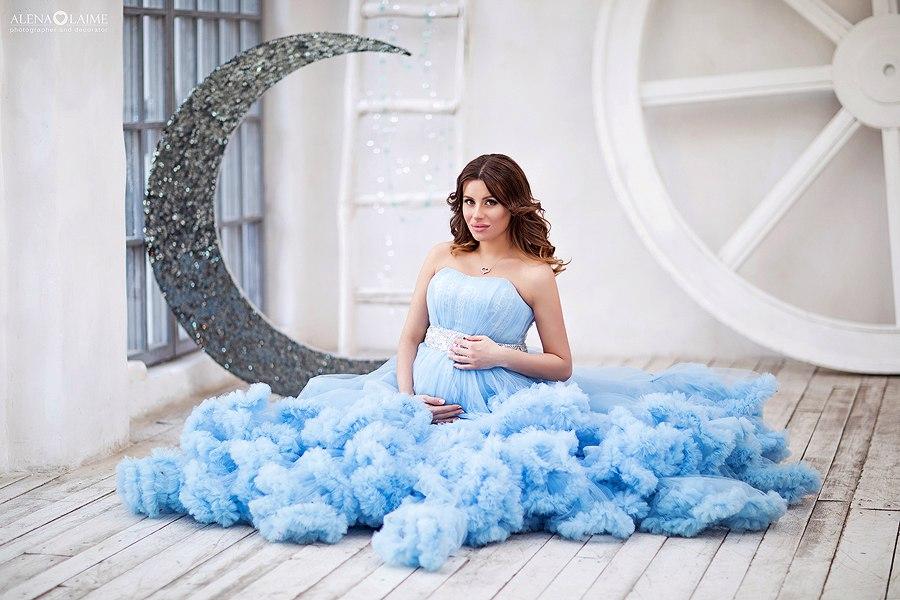 Платье для фотосессии беременности легкого голубого полутона