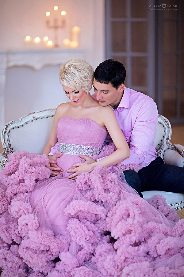 Нежно-розовое платье на корсете
