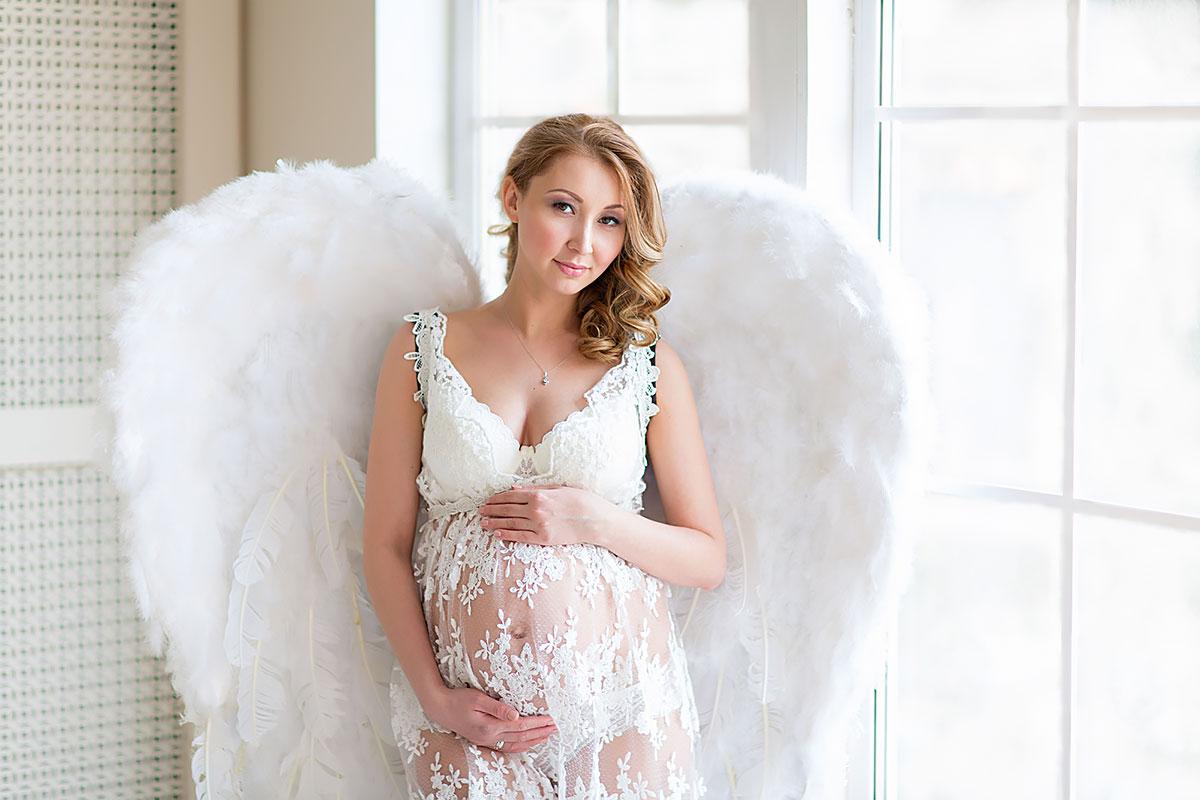 Фото беременной в образе ангела