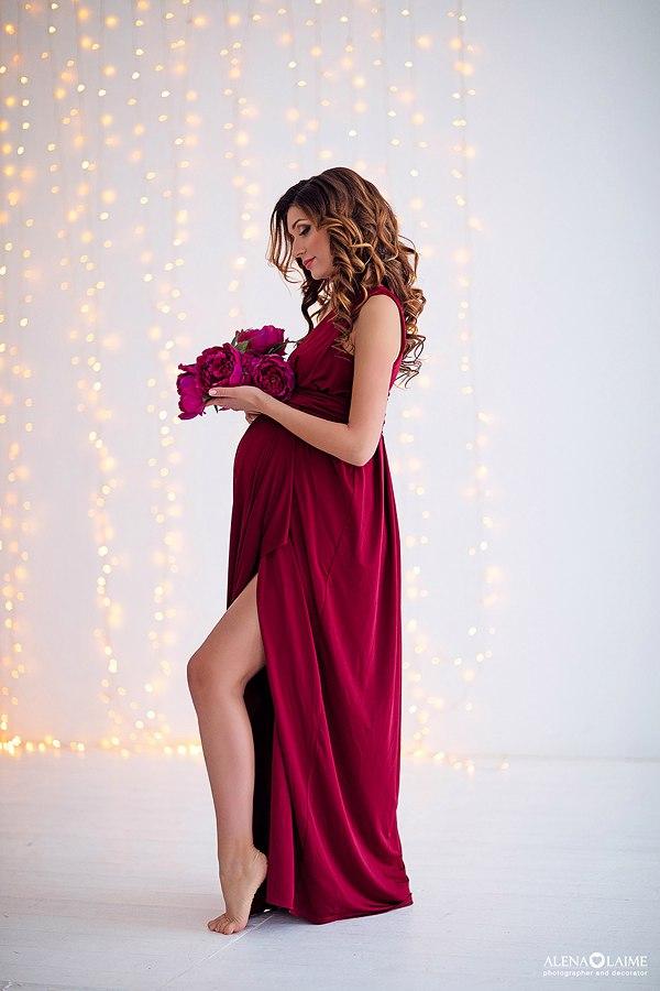 Алое платье для фотосессии беременности Cerry Ripe