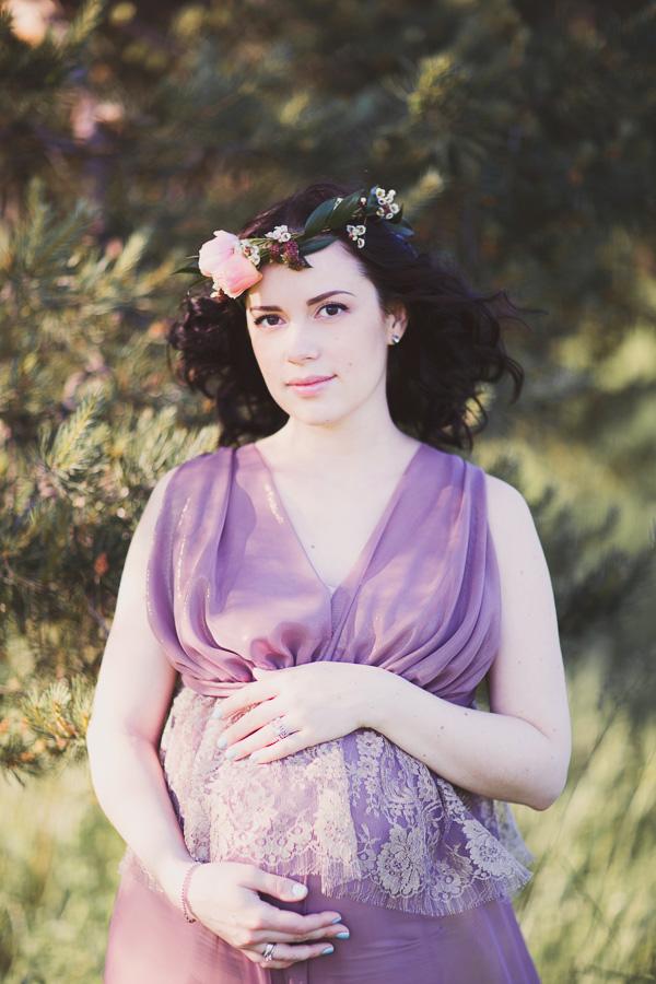 Фотосессия беременной в платье с итальянским кружевом