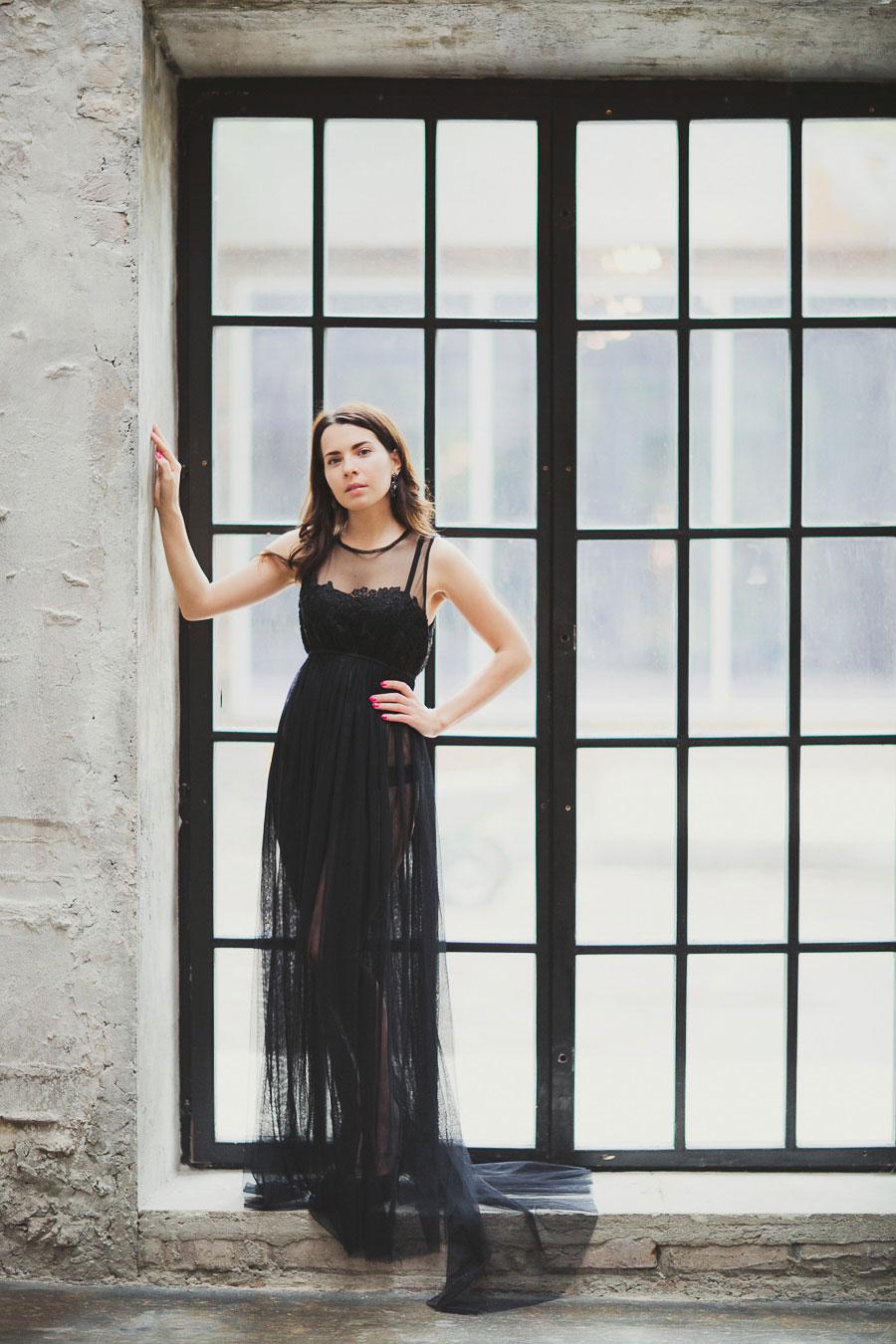Прозрачное платье для девушки в положении