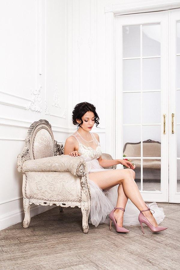 Будуарное платье для фотосессии с прозрачной юбкой