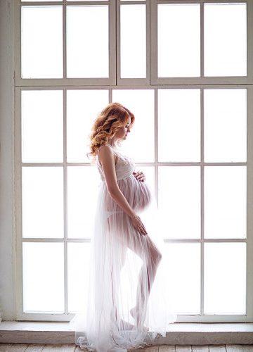 Фотосессия беременности в пеньюаре