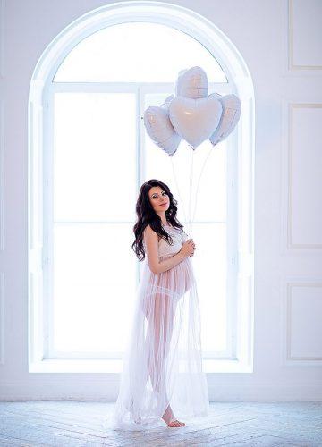 Фотосессия беременности в шикарных платьях