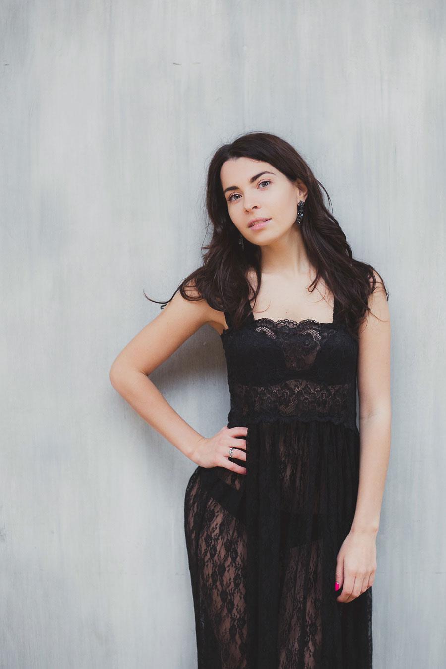 Прозрачное черное платье