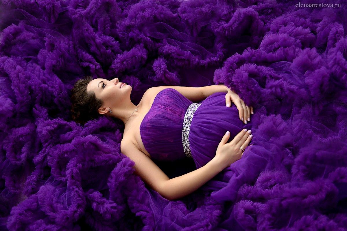 Платье для беременных фиолетового цвета