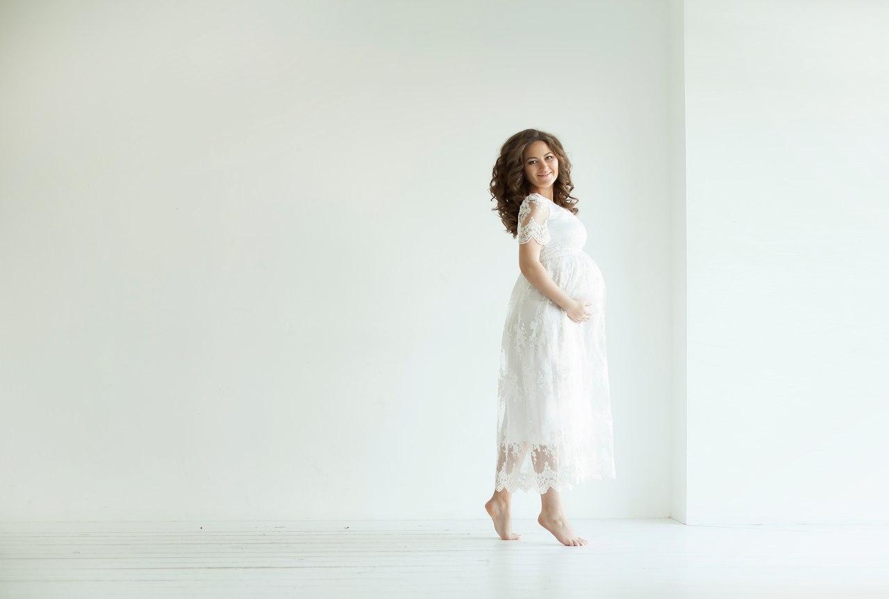 Платье для фотосессии беременности из белоснежной кружевной ткани шантильи