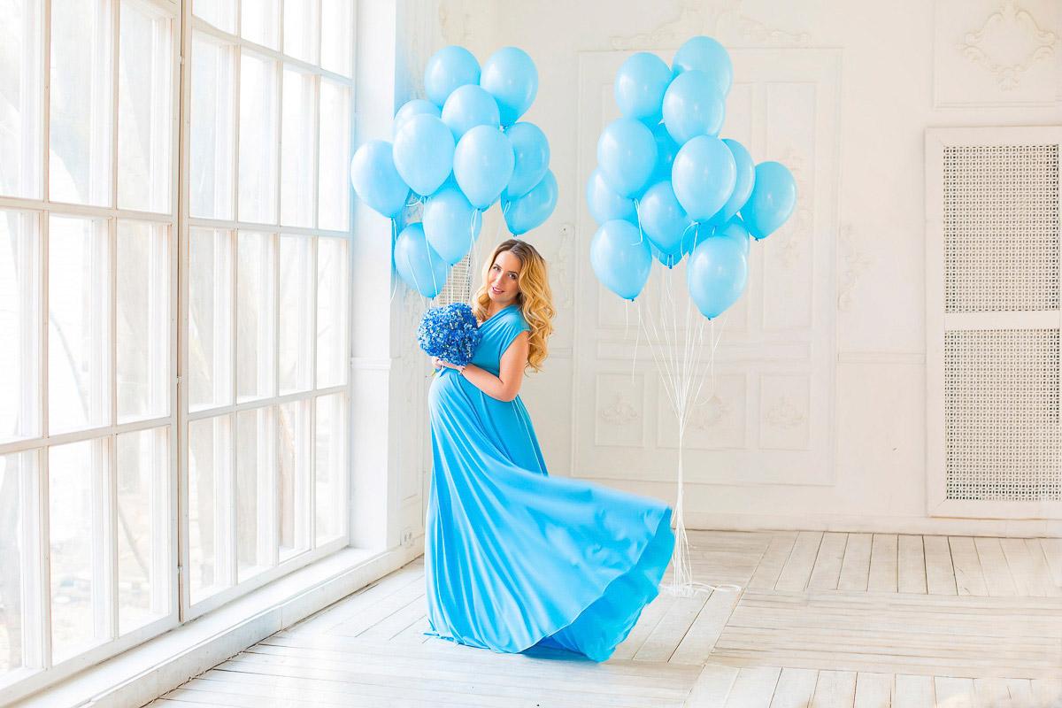 Нежная фотосессия для беременной с воздушными шарами