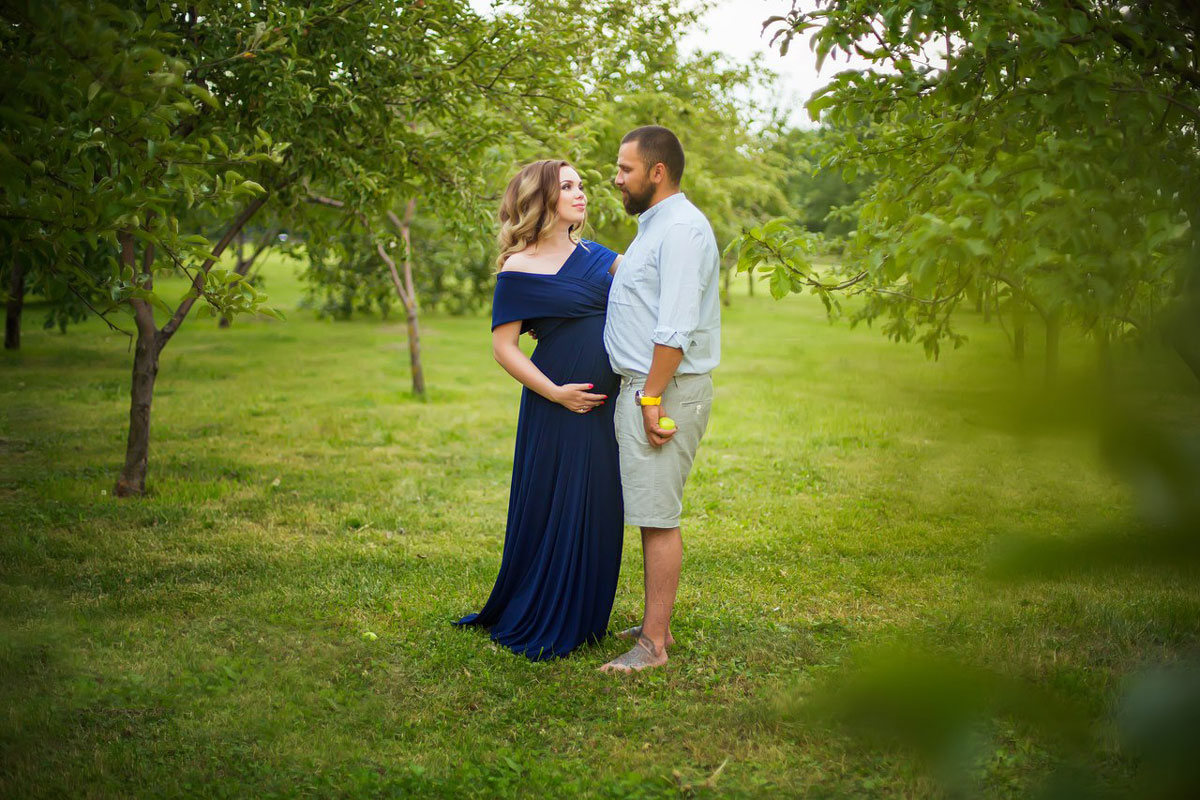 Фотосессия беременной девушки с мужем