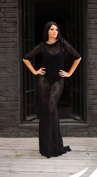 Чёрное прозрачное кружевное платье в пол