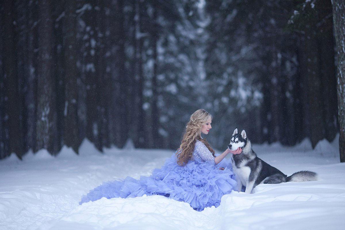 Зимняя фотосессия сказочной принцессы