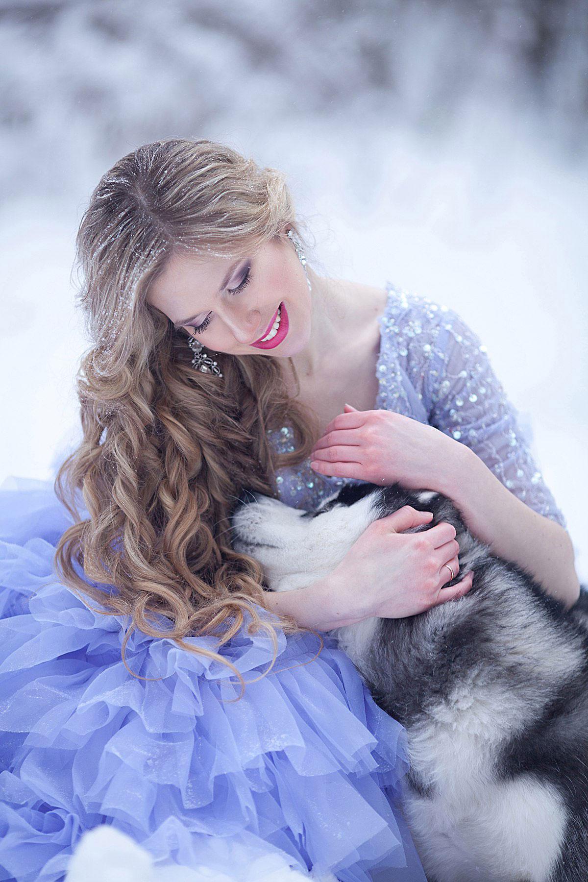 Фотосессия с собакой в зимнем лесу